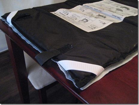 Bassinet mattress cover straps